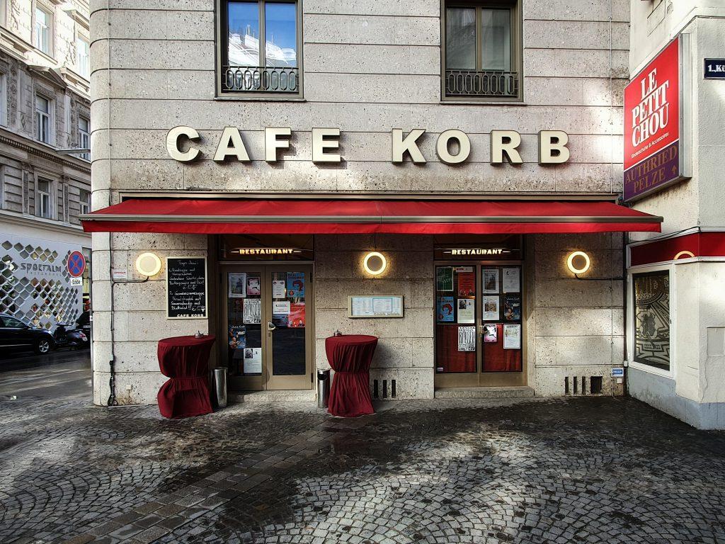Das Cafe Korb von außen
