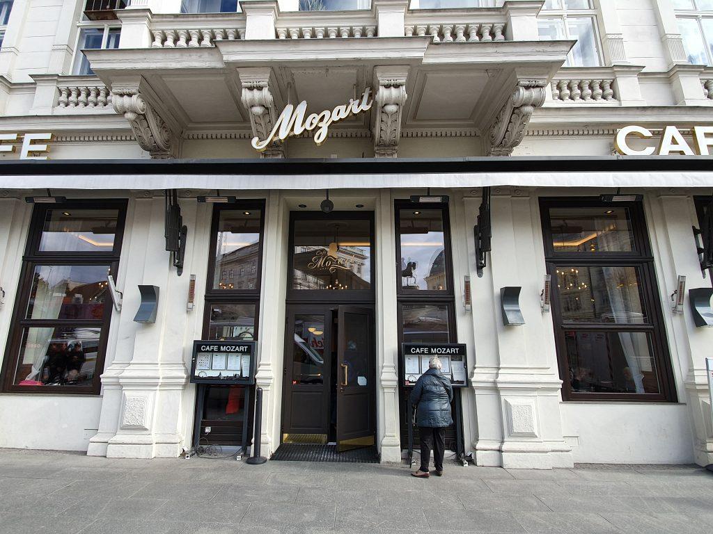 Außenansicht des Cafe Mozart