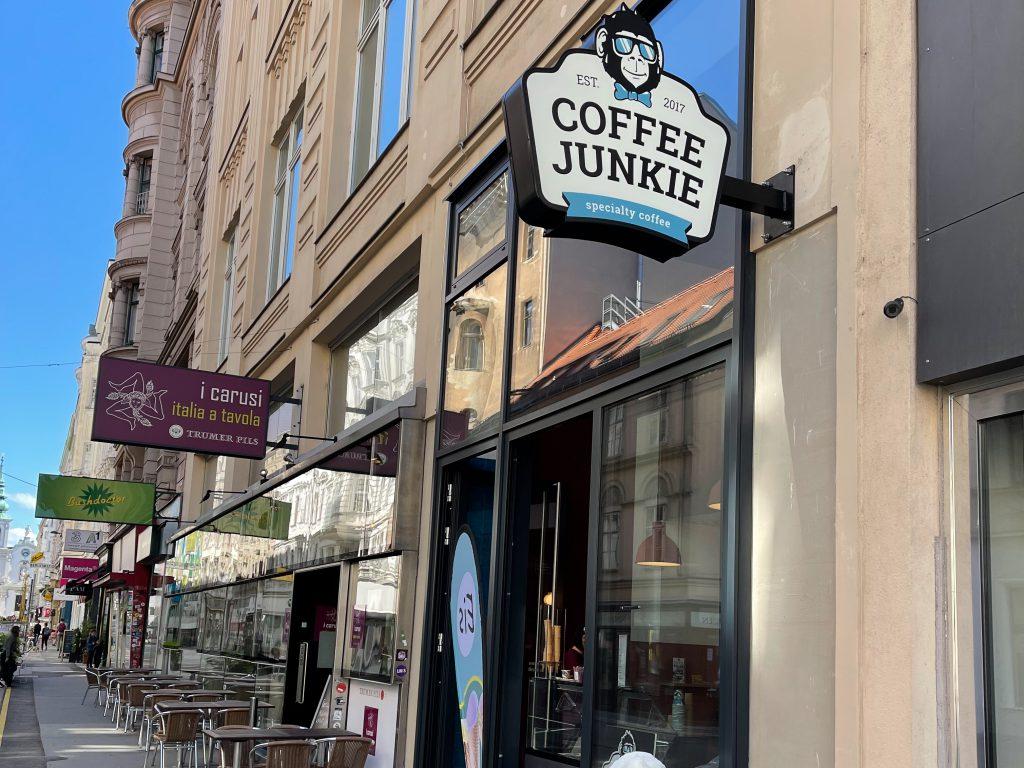 Coffee Junkie von außen