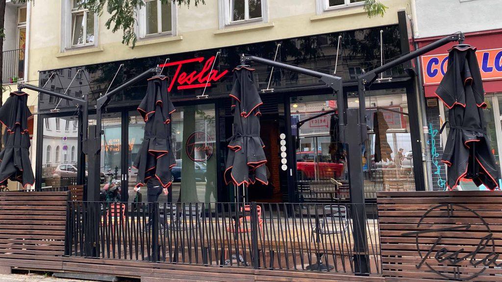 Tesla Coffee & Concept